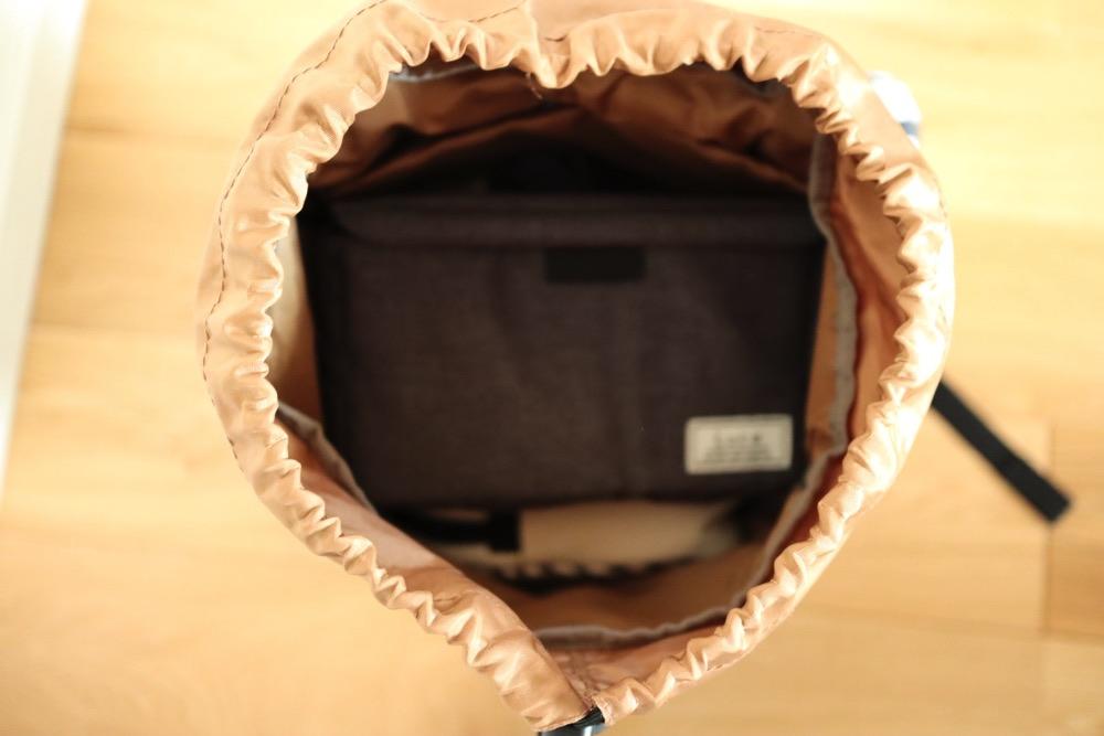 インナーボックスを使えば、いつものバッグやリュックでEos Kiss M の持ち運びができる