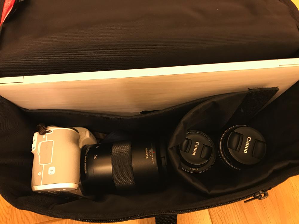 Mac Book 12インチとレンズ複数本も入っちゃう万ハッタンポーテージ のカメラバッグ